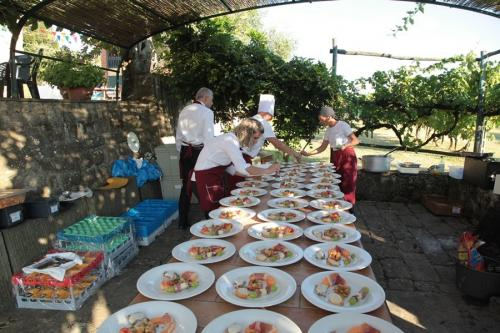 villa-valentini-wedding-party- appetizers