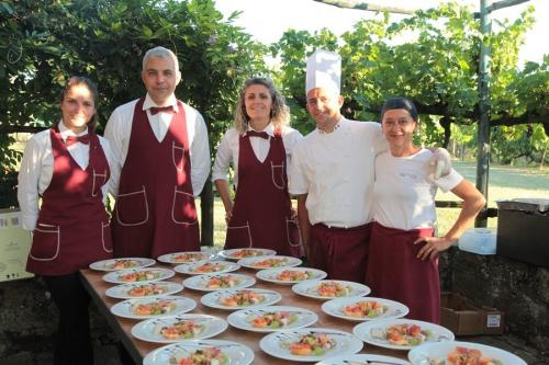 villa-valentini-wedding-party-Catering staff Enjoy Toscano